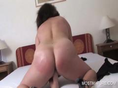Mature Whore Fingering Pussy