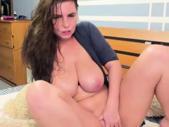 Huge Tits Teen Wild Pussy Rubbing on Cam