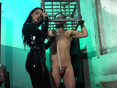 kinky-mistress-punished-a-naughty-guy