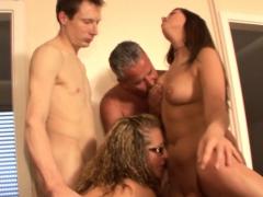 babes-in-orgy-spermed