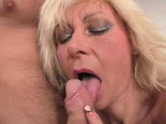 Hot old mature blonde gets her pussy slammed