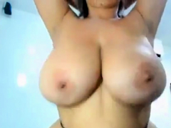 Huge Titty Clapping Latina MILF
