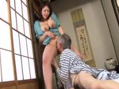tiny-busty-japanese-wife-titjob