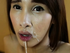 thai-sheboy-gives-a-fantastic-oral-pleasure-to-a-lad
