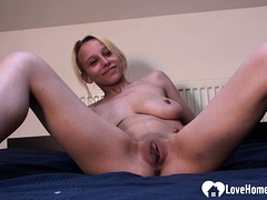 blonde-beauty-puts-on-a-solo-masturbating-show