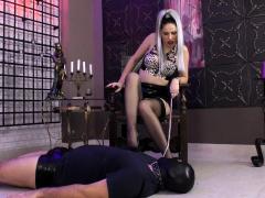 watch femdom stockings fetish mistress fuck bdsm loser