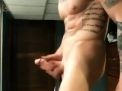 gay-twinks-muscle-top-mitch-vaughn-slams-parker