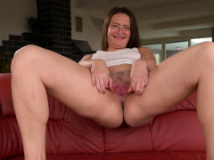 Wicked czech chick stretches her spread vagina to the58RtT