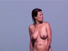 voyeur-beach-females-nudist-amateurs-close-up-shots