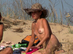 Voyeur Beach Amateurs Females Nudists Close-Ups Video