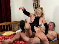 Moist Pussy Of Mature Playgirl Is Roughly Gangbanged