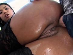 TRUE ANAL Big booty Nia Nacci's first anal fucking