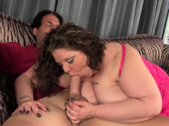 Big beautiful babe sucks shlong and gets plowed