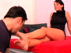 foot-girls-and-their-slaves