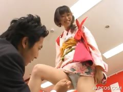 asian-geisha-shows-undies-upskirt