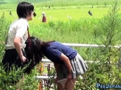 kinky-asians-urinating