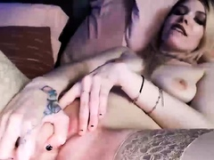 Pretty Blonde Babe Toys Fuck Her Pussy