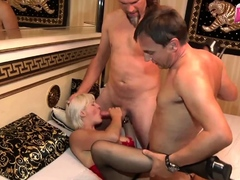 german-amateur-big-boobs-blonde-milf