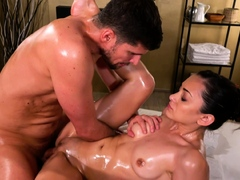 massage-rooms-sensual-oil-soaked-romantic-sex