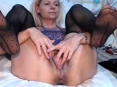 close-up-with-blonde-seductress-masturbating-pussy