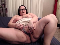 stunning-bbw-jessica-loves-doing-dirty-things-for-you