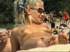 Blonde amateur fucking outdoor