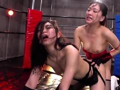 dildo-toy-pleasures-for-amateur-asian-pussy