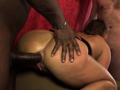 livegonzo-lisa-ann-juicy-interracial-anal-milf