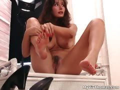 Sexy Brunette Babe Gets Horny Showing Part2